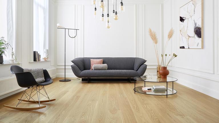 Drawing Comparisons Between Vinyl Timber Look Flooring With Natural Wood Flooring